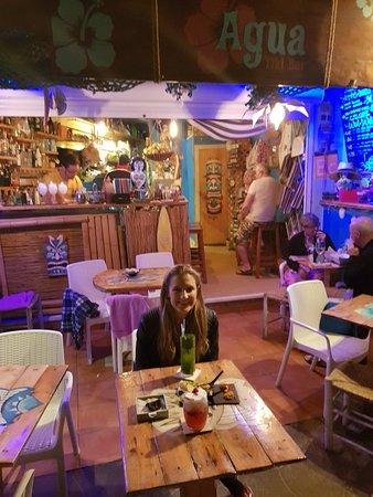 Agua Tiki Bar: 20180317_201524_large.jpg