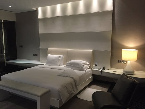 Yas Hotel Abu Dhabi: ViceRoy - suite #2604