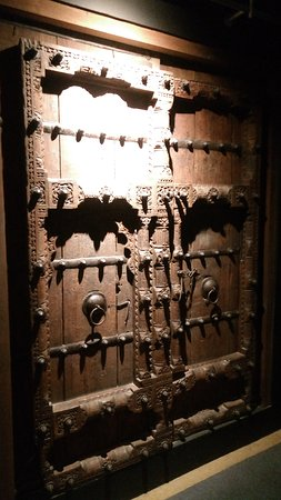 Beautiful door in the heritage section - Picture of Kuwait