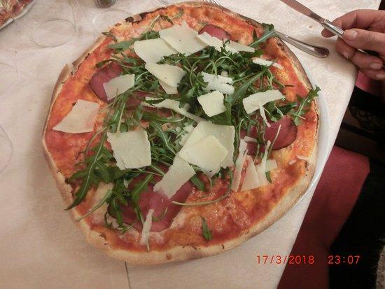 La Veletta: pizza