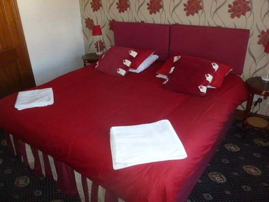 Super Kingsize Double Bed Or Two Twin Beds Picture Of Hill House