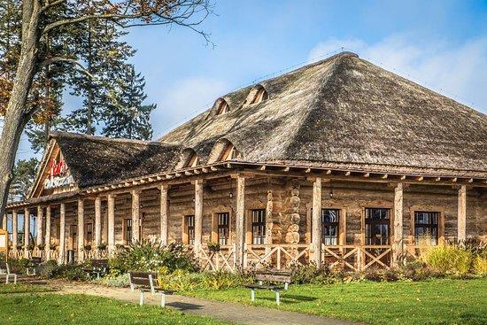 Swiebodzin, Poland: Pod dachem krytym strzechą skrywa się restauracja z polską kuchnią i sezonowym menu.