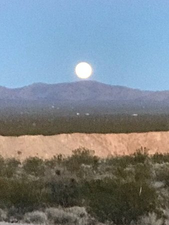 Yucca, AZ: Moon over the Mountains