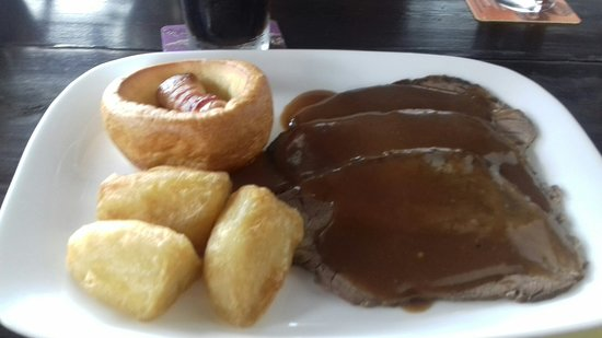Distriktet Paphos, Cypern: I had a lovely meal with my family at the Railway in Sunday lunch was lovely.Best beef roast I h