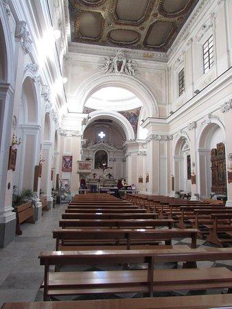 Duomo di San Giovanni Battista: interno chiesa
