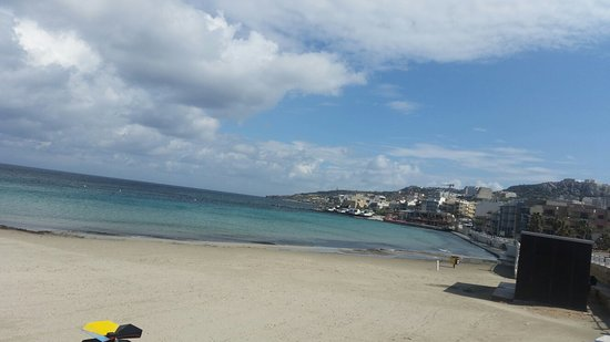 Armier Bay Beach: 20180226_120936_large.jpg
