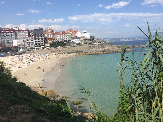Hotel Varadoiro: Playa de Caneliñas a 5 minutos caminando