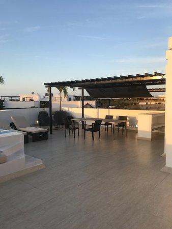 Rooftop patio suite 421