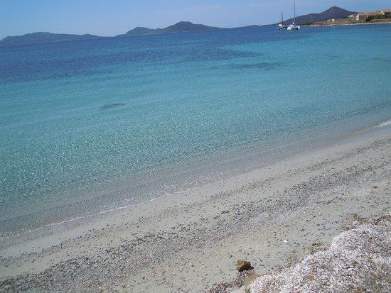 Cala d'Oliva, อิตาลี: la spiaggia in fondo all'isola......bellissima