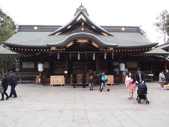 大國魂神社, 拝殿 たくさんの方がおまいりしていました