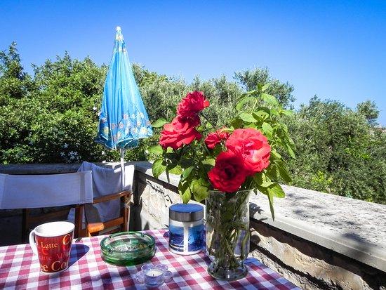 Stavromenos, Grecia: Frühstück auf dem Balkon