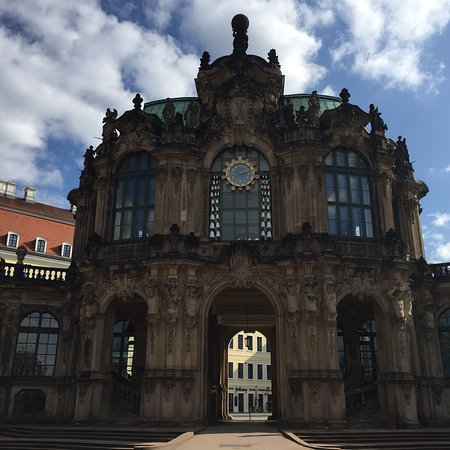 Zwinger: photo2.jpg