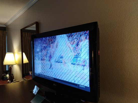 "Fairmont Hot Springs Resort: Old, 32"" TV.....in a $200+-per-night hotel?"
