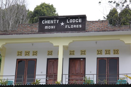 Moni, Indonésie : Some of the rooms at Chenty Lodge