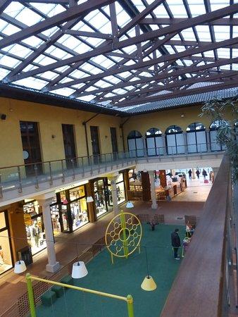 Castel Guelfo The Style Outlets: partie couverte