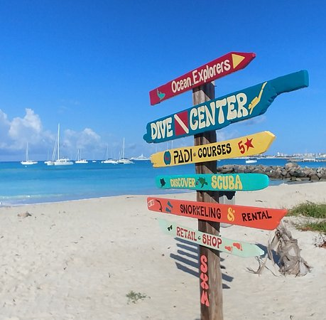 Two Tank Scuba Dive Adventure from St Maarten: Look for their sign on the beach!