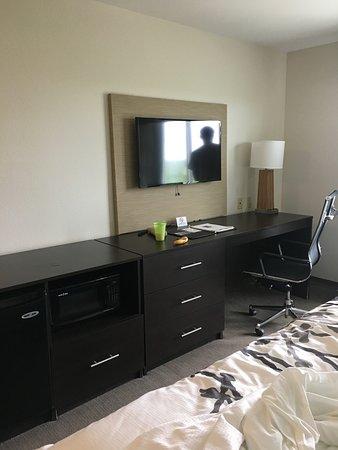 Ingleside, TX: cable tv, microwave, mini fridge provided