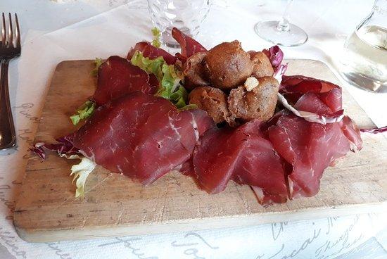 Vezza d'Oglio, Italy: Sciatt e bresaola