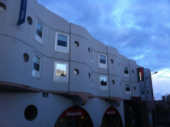 Ibis Budget Limoges : vue des chambres côté parking