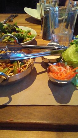 Prince George, Canada: DIY Lettuce Wraps - very tasty! A bit messy, though!