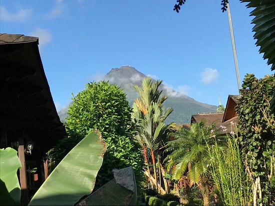 Hotel Arenal Montechiari: View from hotel property