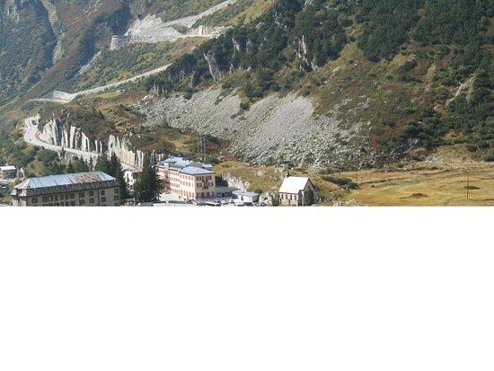 Gletsch, سويسرا: Blick zurück aus der Furka-Bahn