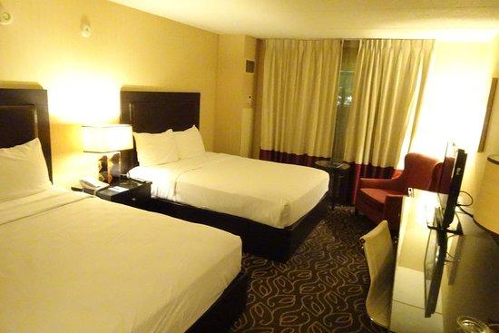 Boulder Station Hotel and Casino: bedroom