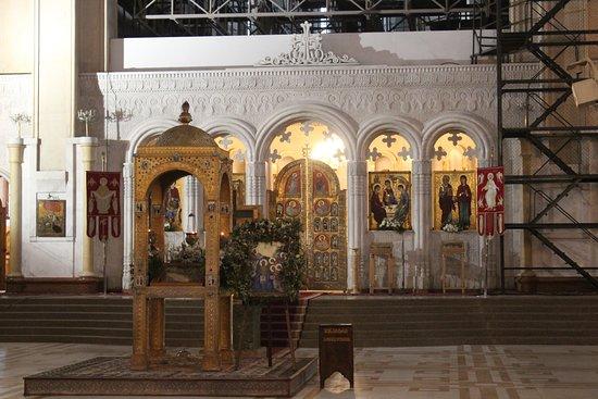 Tsminda Sameba Cathedral: Church Interiors