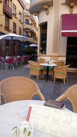 Ebano Cafe : Blick in die Altstadt
