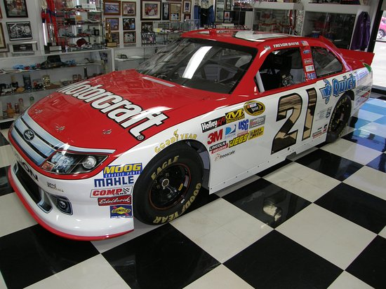 ‪‪Stuart‬, فيرجينيا: A similar model of this car was in victory lane following the 2011 Daytona 500.‬