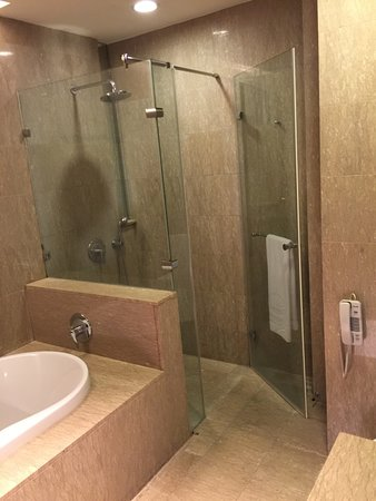 Douche A L Italienne Picture Of Taipung Suites Anping Tripadvisor