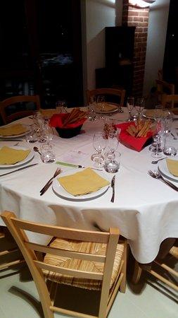 Portacomaro, Italy: Presentazione tavolo