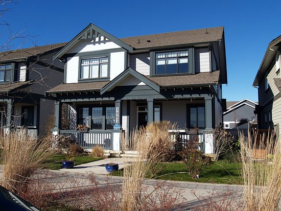 Tsawwassen, Canada: The exterior looks like all the others on the street