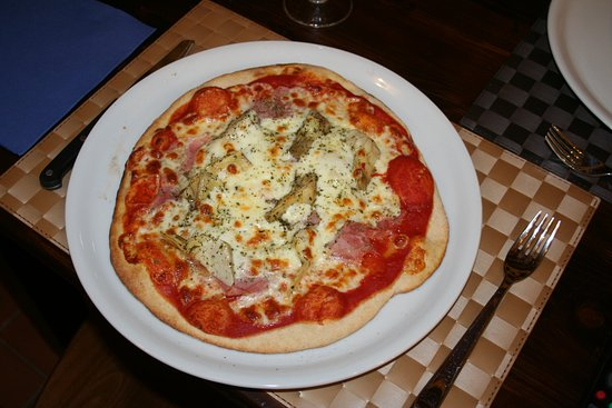 Tripi, إيطاليا: Una delle nostre pizze