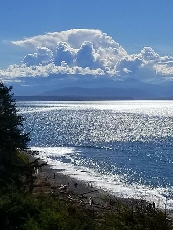 Coupeville, WA: Thunder heads over the Olympics