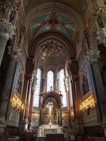 Basilique Notre Dame de Fourviere: 20180314_124340_large.jpg