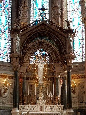Basilique Notre Dame de Fourviere: 20180314_124413_large.jpg