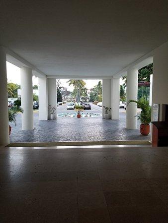 Emporio Ixtapa: 20180315_065406_large.jpg