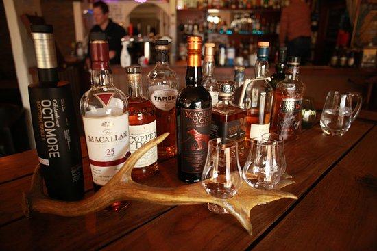 Kinlochleven, UK: Over 150 Malt Whiskies