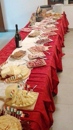 San Terenziano, Italien: Buffet