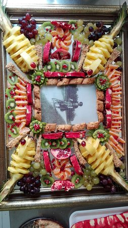 San Terenziano, Italien: Esposizione di dolci e frutta