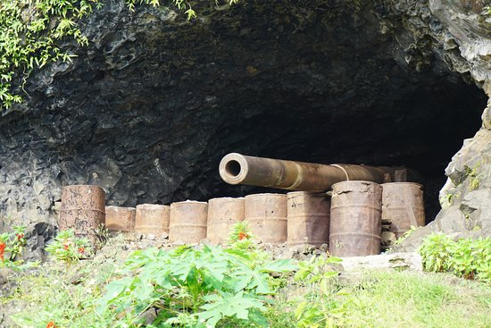 Chuuk, Federated States of Micronesia: Japanese artillery emplacement.