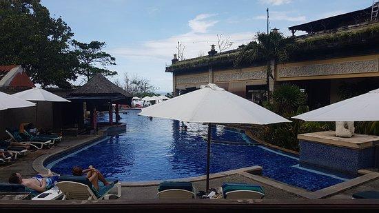 Pelangi Bali Hotel: Pool