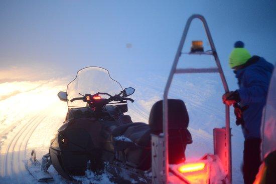 Torgnon, Italia: la motoslitta