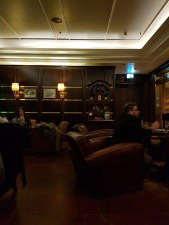 capella bar cigar lounge d sseldorf restaurant bewertungen telefonnummer fotos tripadvisor. Black Bedroom Furniture Sets. Home Design Ideas