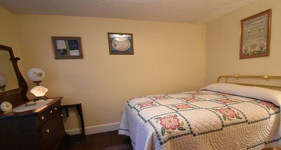 Tionesta, PA: First floor, queen room