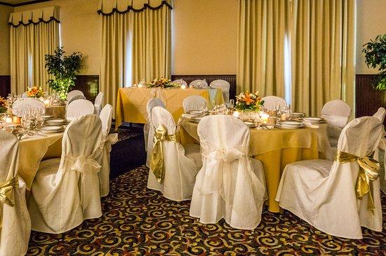 Grass Valley, Kaliforniya: Ballroom