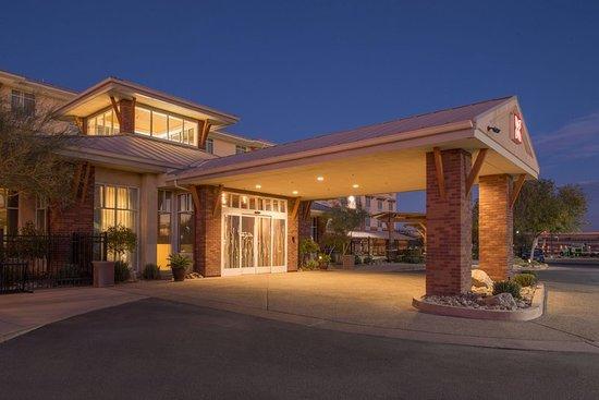 Madison Ave Beach Hotel