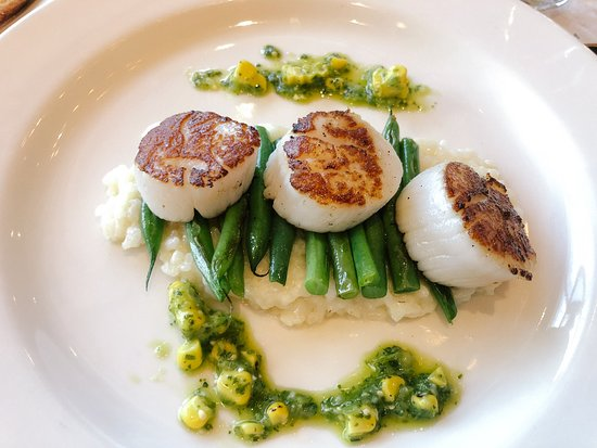 Bazille : Seared Scallops - Lemon risotto, green beans