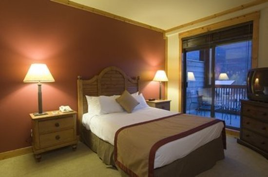 First Tracks Lodge: Guest room